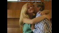 Pai acaba seduzindo sua filha mais velha para meter gostoso