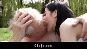 Sexo pai comendo a filha