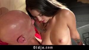 Sexo tube minha filha de seios duros