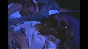 Pai estuprando sua filha novinha no video Incesto caseiro