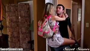 Primo do interior fodendo a priminha putinha no incesto.blog.br