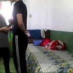 Irmão chantajando a irmã depois de pegar um video porno dela transando com namorado no celular