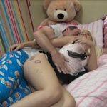 Video de Incesto pai dormindo junto com a filha pelada
