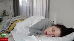 Cunhado safado estuprando sua cunhada dormindo