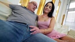 nora safada fodendo com seu sogro coroa fodendo gostoso no video de incesto
