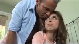 Stefany Novinha fodendo com seu tio mais velho no incesto amador