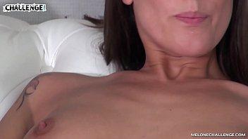 Irmã safada faz sexo com seu irmão adotivo e grava o Videos Porno incesto
