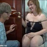 Mãe safada fazendo sexo com filho dotado fodendo sua buceta gostosa no videos de incesto