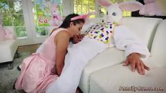 Safadinha fode com primo vestido de coelho da páscoa