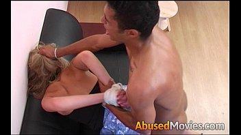 Incesto Amador Irmão fazendo sexo a força com irmã Novinha de 18 aninhos