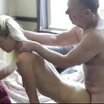 Pai e filha safados trepando e gozando maravilhosamente
