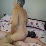 Incesto xxx avó coroa provoca e de lingerie safada e fode com neto