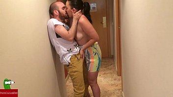 Sexo quente com morena do rabão fodendo com vizinho de apartamento casado