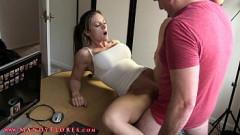 Filme pornô secretária olha pornô com o chefe chupa e fode como nunca