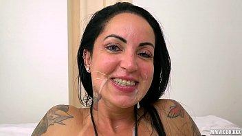 Xvideos legendado Brasileirinha rabuda vara no cuzinho e porra na boca