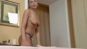 Novinhas sexo espetacular com massagista da vara grande e grossa