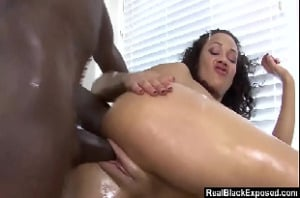 Porno paulista negrão fodendo a mulata do rabão gostoso