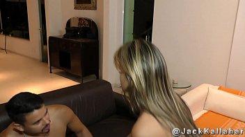 Cavala Luna Oliveira fodendo com roludo na casa de praia
