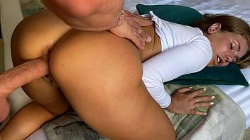 Gifs porno online gostosa se diverte com pauzão na xota