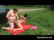 Sexo em publico no parque com filha incesto